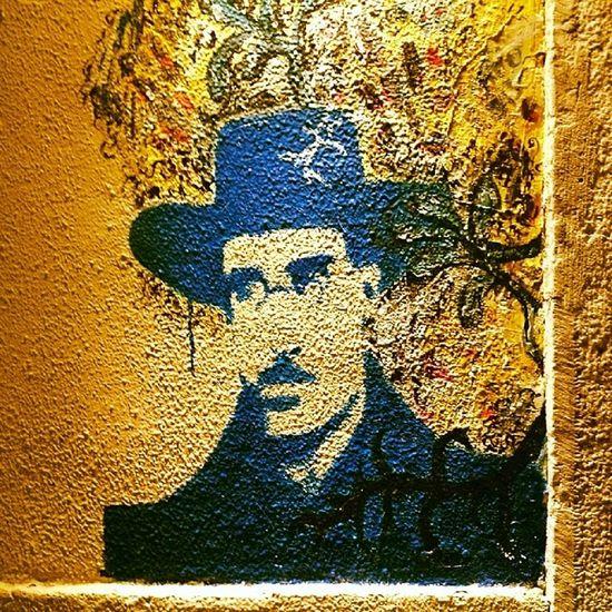 Fernando Pessoa Bica Lisbonnight