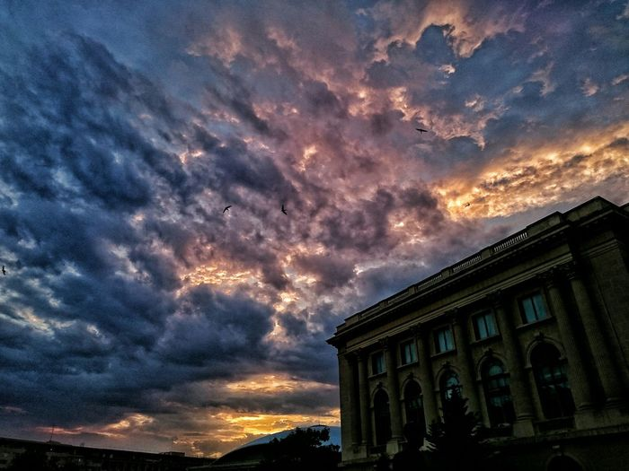 Dawn Sky HDR Clouds Bucharest City Cityscapes Urban Getting Inspired The Traveler - 2015 EyeEm Awards