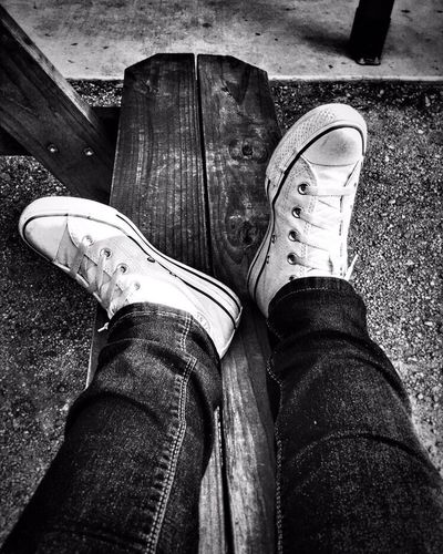 Relaxing & Rockin Tha Chucks... Converse All Stars ⭐️ Black & White Blue Jean Kind Of Day Black And White Photography My Style