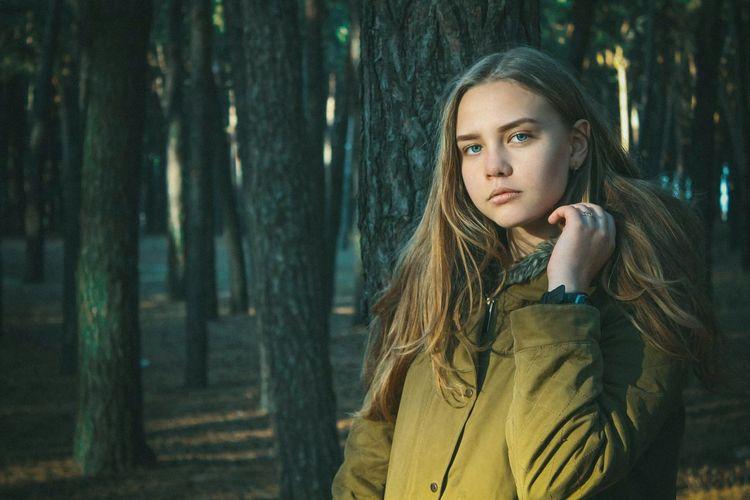 Girl Biutifull Girl Model Mua Love ♥ First Eyeem Photo Biutifull Photo Tree Green Green Green!  Lightroom Kharkiv Kharkov