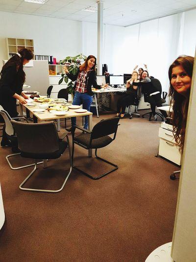 Teamwork Women Officelife