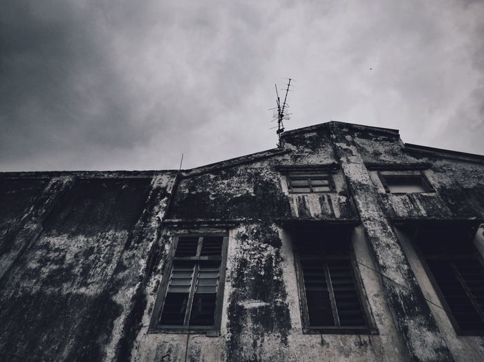 Scary building Architecture Built Structure Building Exterior Low Angle View History Outdoors Sky No People Day Wall Wall - Building Feature Histrorical BuildingCloud - Sky Huawei Honor 8 Old Town Huaweiphotography Historical Place Old Buildings Honorphotography Malaysia Close-up Architecture