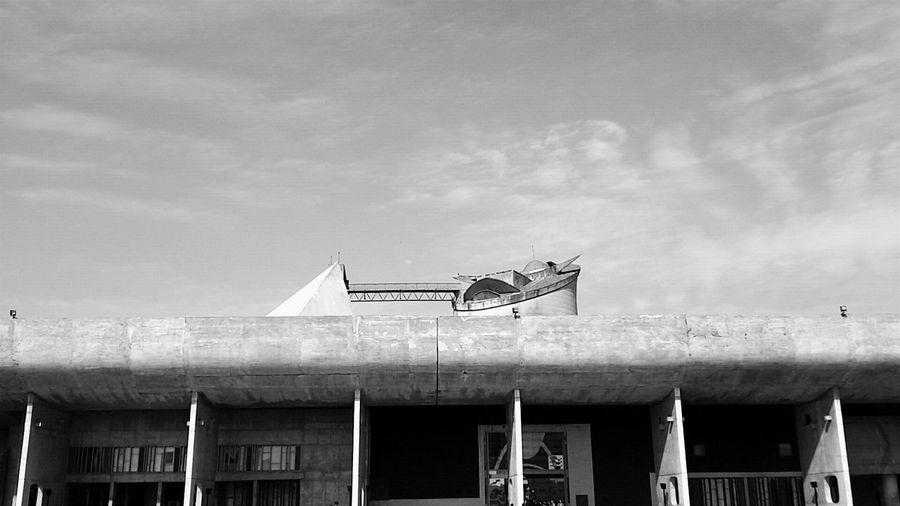 Blackandwhite EyeEm Bnw Architecturephotography EyeEm Best Shots - Black + White Architectureporn Architecture_collection Eyeem Market EyeEmBestPics EyeEm The Week Of Eyeem EyeEm Best Shots Architecturelovers The Architect - 2016 EyeEm Awards Roof Architecture Chandigarh