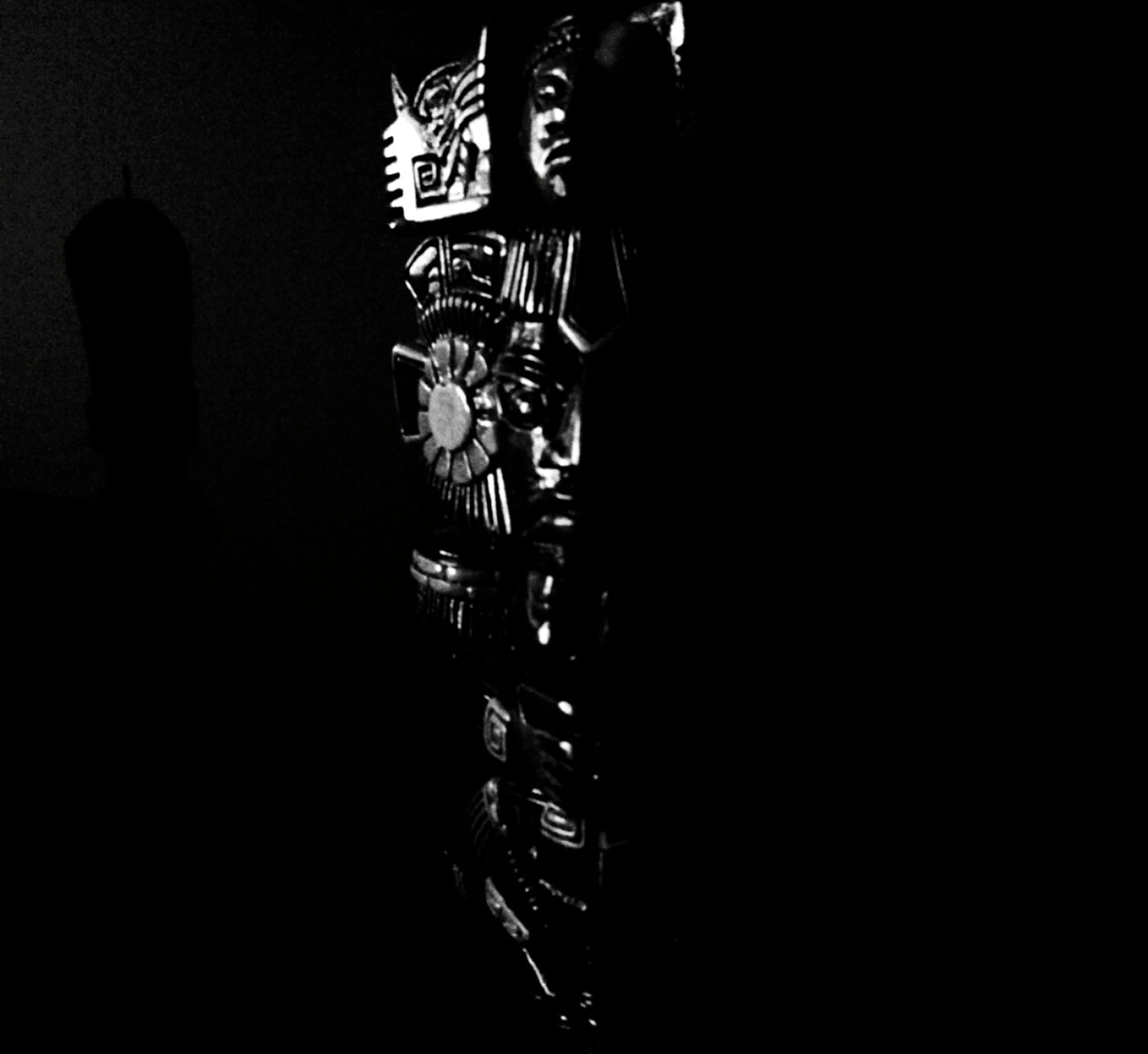 lifestyles, indoors, men, low section, night, standing, dark, person, leisure activity, shadow, unrecognizable person, silhouette, copy space, casual clothing, wall - building feature