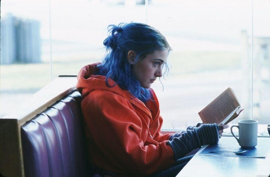 Piccoli film di una semplicità e profondità disarmante! <3 Eternal Sunshine Of The Spotless Mind Se Mi Lasci Ti Cancello Film Amore Semplicità
