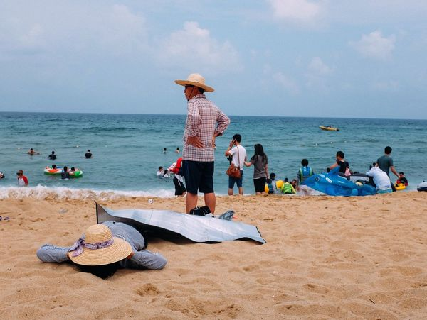 Sokcho, South Korea / 2014 Street Photography Beach Stand Out From The Crowd