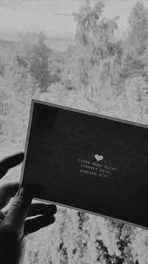 """Liebe muss nicht perfekt sein, sondern echt."" - 💌"