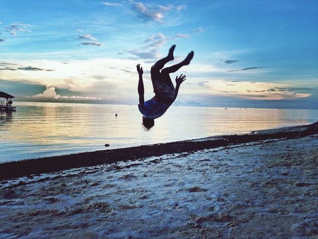 Men backflip. Mobilephotography People And Places Beauty In Nature Cloud - Sky Eyemphoto Sabimages Eyeem Philippines Mobilephotographyph Bohol