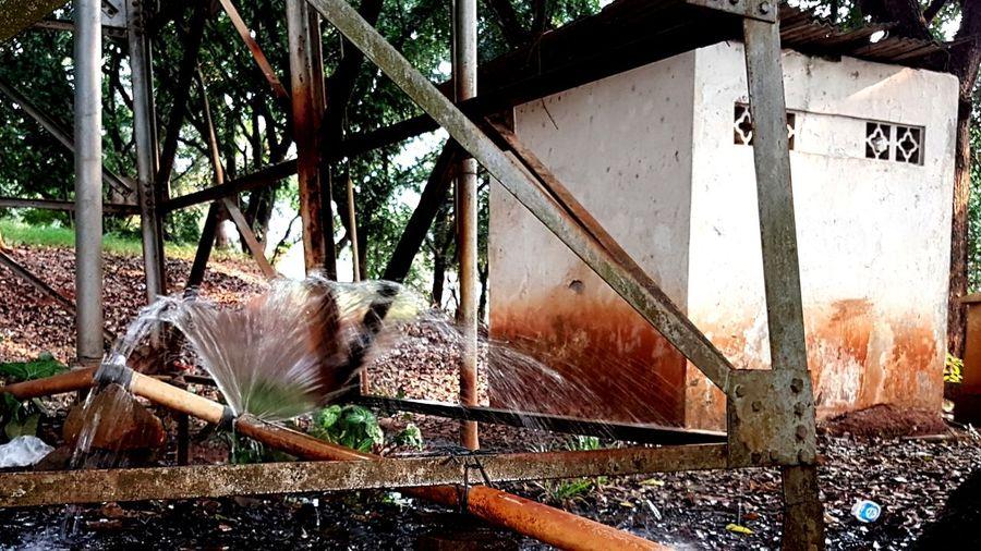 leaking On Market On Market Go Wahjoe Leaking Water Leakingwater Leaking Pipe Leaking Water Watermill Close-up Water Drop Drop