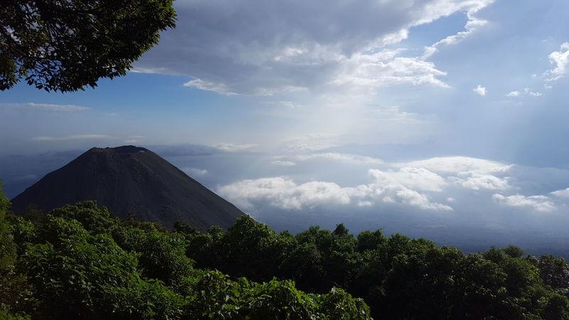 El Salvador Impresionante Volcan De Izalco