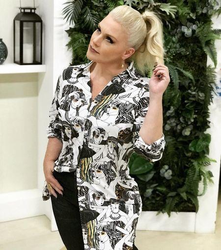 ErikaFaltin💫 EyeEm Fashion Tvhostess Working Blond Hair One Woman Only Fashion One Person Only Women Lifestyles Portrait Women
