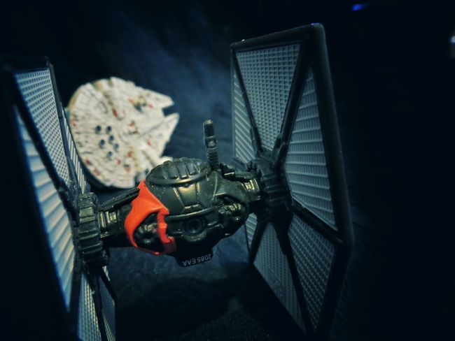 Chasing the Milleniumfalcon, Starwars Tiefighter Toys Perspective Supernormal