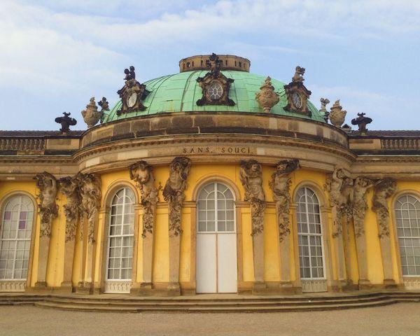 Schloss Sansoucci inn Berlin Potsdam Sansoucci