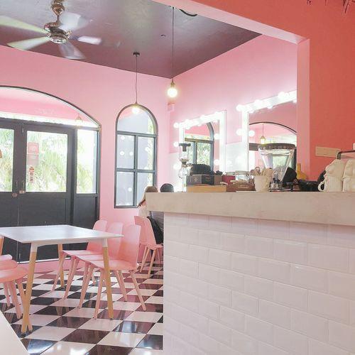 Pink Cafe ☕ Pink Background Pink Pınky Cafe Cafe Time Pinkcafe Lovely Day Lovely Place