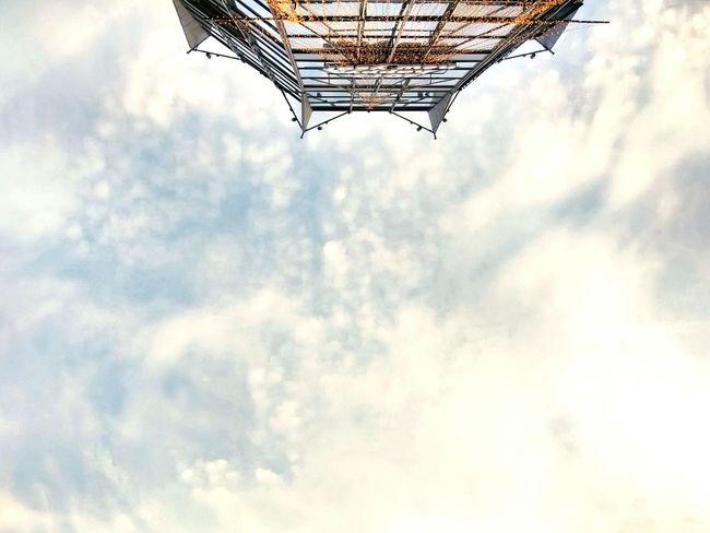(●—●) Sky Building