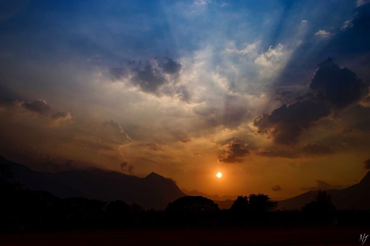 Sunset Cloud - Sky Outdoors No People Landscape Sky Tree Mountain Beauty In Nature Nature Nature Landscape_photography India_clicks 17-50mm 2.8 Indiaclicks Indianphotography D5500 Indianphotographersclub Indianstories Indiaphotographyclub Nj Tree Silhouette Photography Noeljose