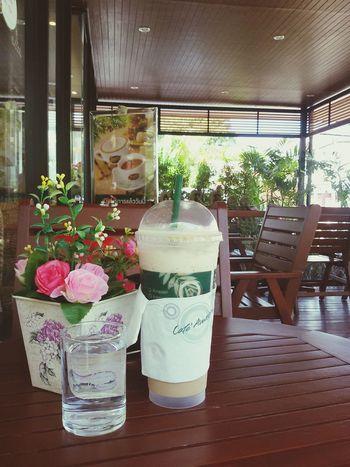 การดื่มกาแฟที่ดีควรดื่มน้ำเปล่าตอนท้ายด้วย FreeTime Coffee Time ☕