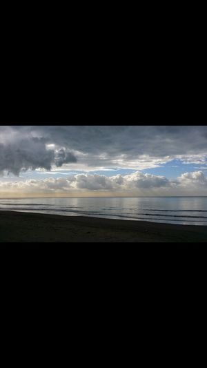 Likeapainting Sea A Sundaymorning Bowing EndlessBeauty Peaceofmind Letmethere Walkingonthebeach Sand Nofilter Nofakeshere Sky And Clouds Sky And Sea Skylover ❤