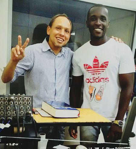 Eu e meu irmão Rafael, eu na mesa de som e ele no projetor. Soundman VideomakerIgreja Cristã De Araraquara Araraquara Cristao Salvação Deus Lightshow