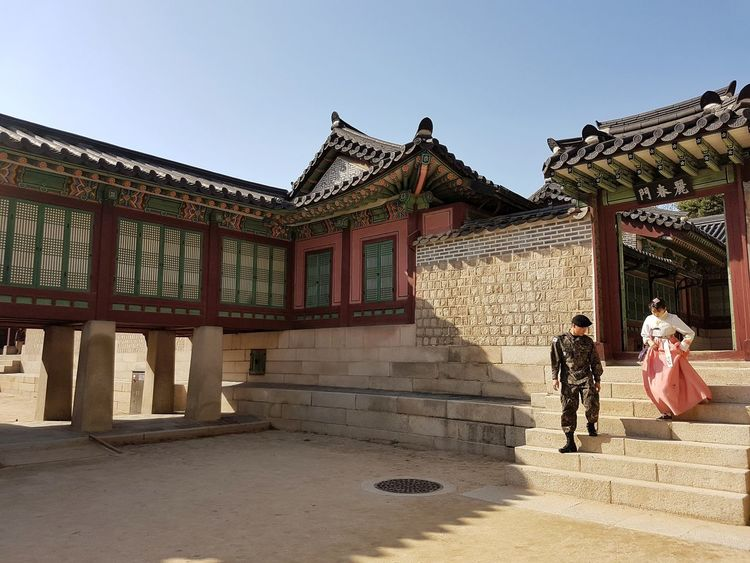 The Secret Garden, Changdeok Palace, Seoul. Young love. Architecture History Travel Destinations People Built Structure Adult Full Length Day Sky Building Exterior Outdoors Lovers Korea Seoul, Korea Palace Partners Love ♥ EyeEmNewHere