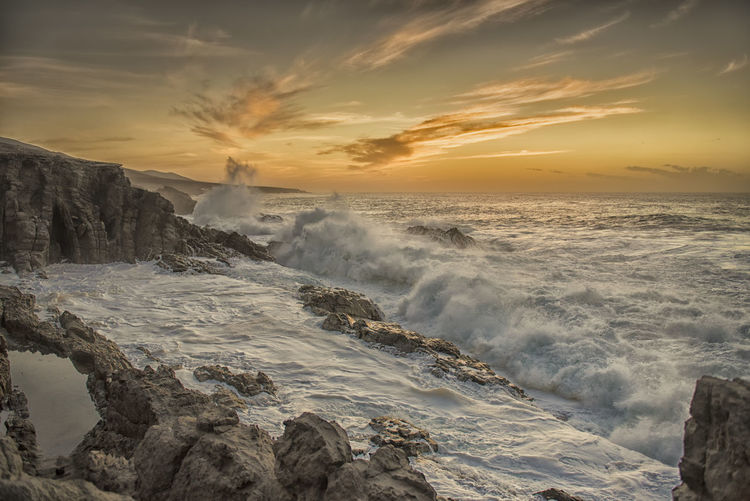 Nikon Storm Beauty In Nature Cloud - Sky Day Horizon Over Water Motion Nature No People Ocean Outdoors Power In Nature Rocks Rough Scenics Sea Sky Sunset Tranquility Water Wave Waves