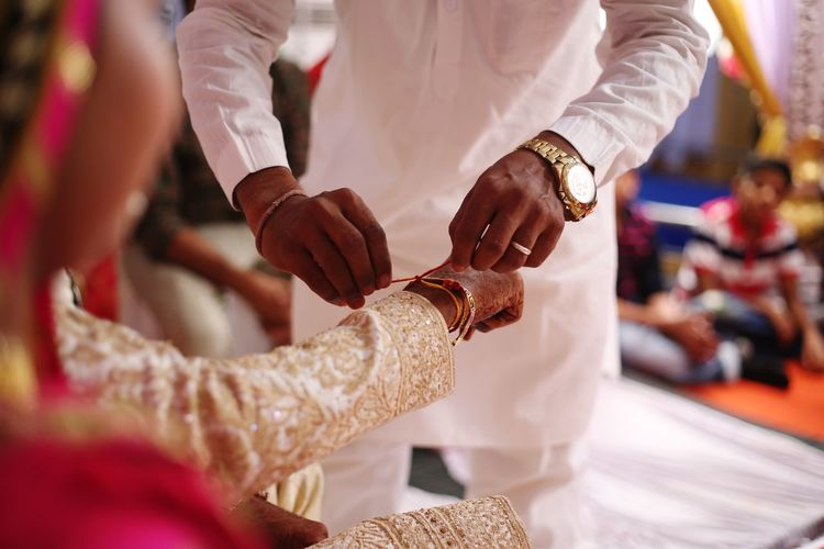 EyeEmNewHere EyeEm Best Shots Eyemphotography Light And Shadow Mehandi  Shine On ✨ Couple - Relationship Bridegroom Human Hand Wedding Dress Ceremony Men Life Events Wedding Wedding Ceremony Traditional Ceremony Blessing Wedding Vows A New Beginning