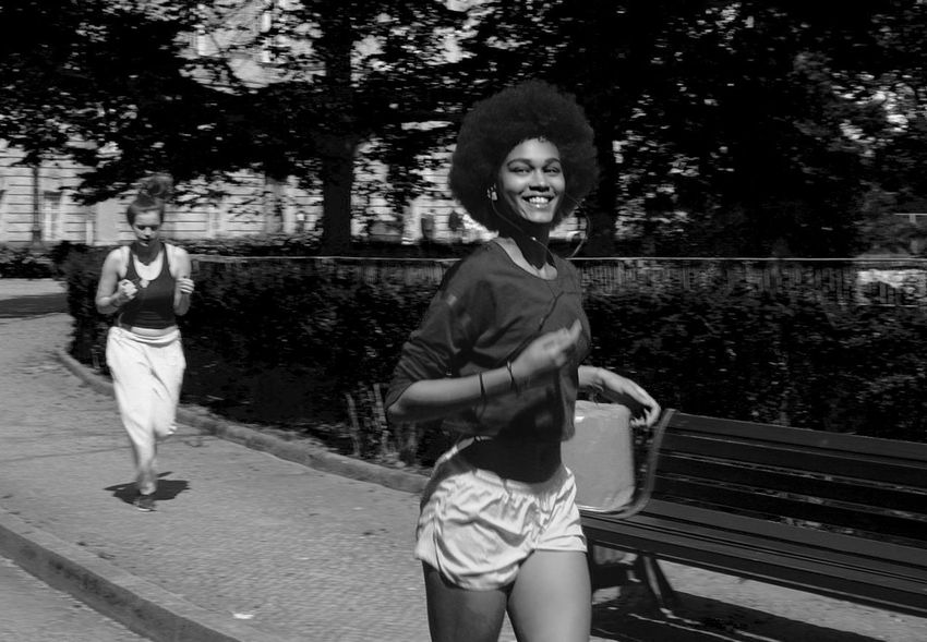 Two People Casual Clothing Front View Three Quarter Length Leisure Activity Mouth Open Outdoors Happiness Fun Togetherness Young Women Adult People Looking At Camera Smiling EyeEm Gallery Alpha6000 Streetphotographer EyeEmNewHere Berlin Street Contemporary Photography Street Photography Day Photography Discover Berlin