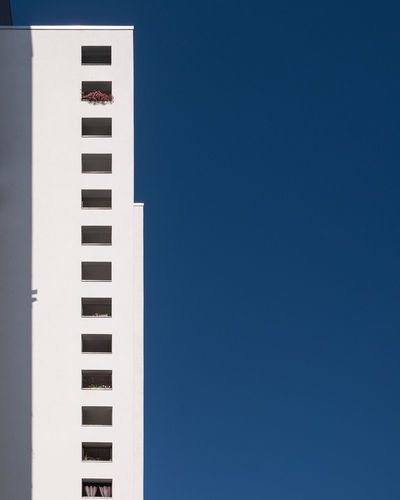 Blueskyarchitecture Built Structure Building Exterior Architecture Blue Sky Clear Sky Day No People Copy Space Outdoors Building Ralfpollack_fotografie Fujix_berlin Minimalism Minimalist Photography  Berlin Photography White Color Blue Background Tall - High Modern Tower Sunny