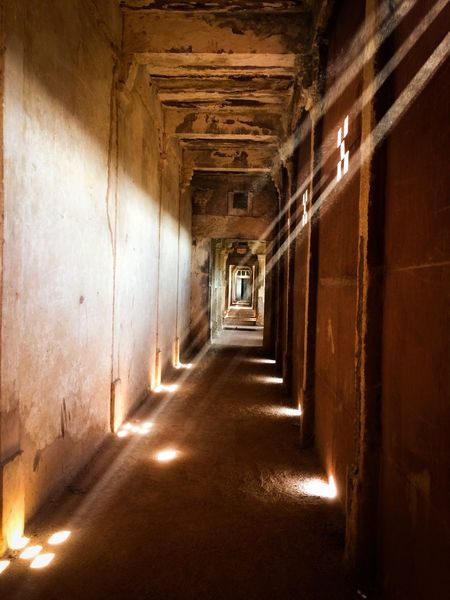 Indoors  The Way Forward Long Sunlight Architecture Illuminated Empty Light Effect Passage Fort Orchha No People Day Tindal Effect