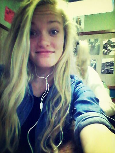 love her! dont get a more beautiful girl Hello World True Beaty ♥ Blond Hair That Girl