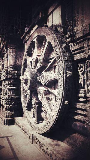 """One of the 24 wheels of the Sun's chariot"" Sculpture Rock Cut Architecture Wheel Suntemple Architecture Orissa Odisha Indianshutterbugs Clock Face Clock Close-up Historic"