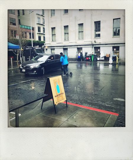 Building Exterior Blue Bottle Coffee Real People Outdoors City Life Koduckgirl Rainy Days Shake It Photo Fauxlaroid Iphone7