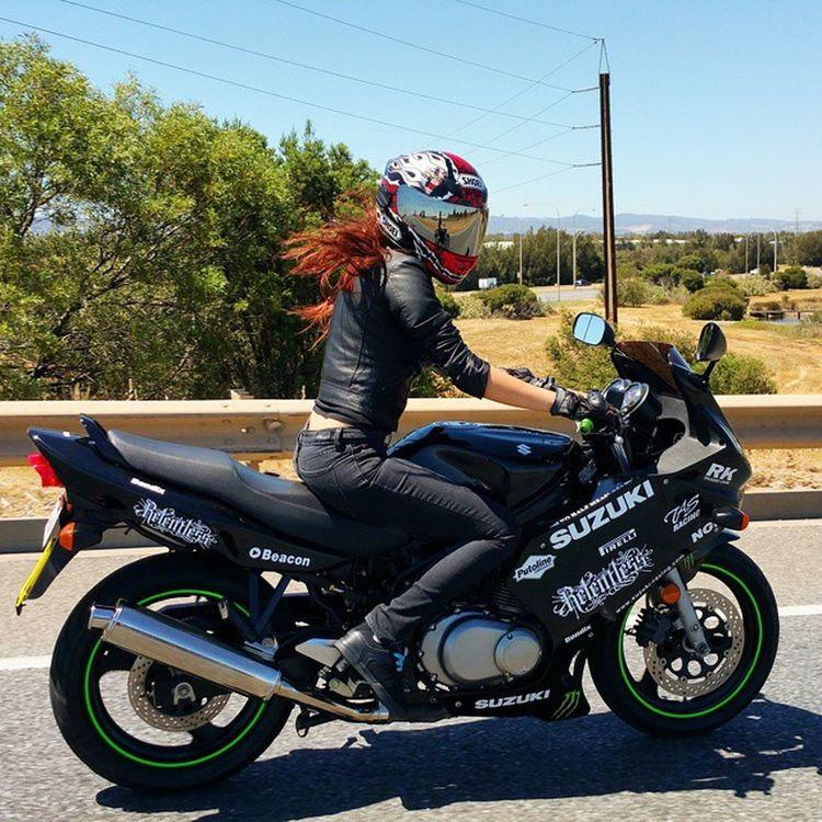 💪😲 Suzuki Girlbiker Photography Clean Reupload Green Black Monsterenergy Bikergirlswag Project_bikelife