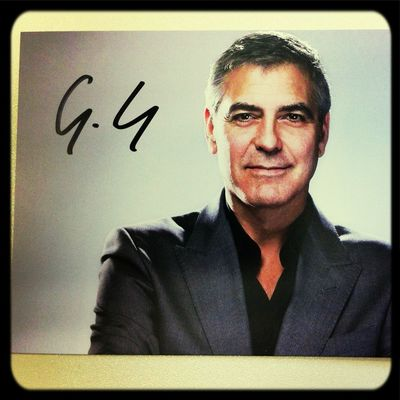 "George Clooney Autogramm für ""Monuments Men"" Dreh am MfN (Blog.naturkundemuseum-berlin.de/Hollywood/) - yeah!"