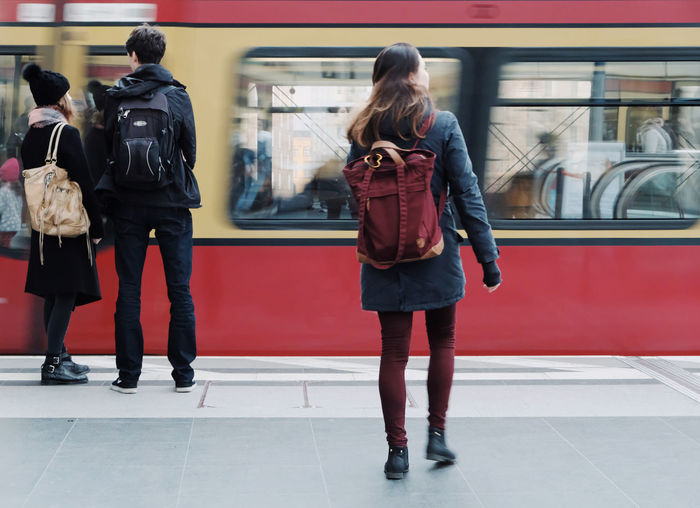 Mobility In Mega Cities Travel Photography Backpack Casual Clothing Fujifilm X-t20 Full Length Journey Lifestyles Mode Of Transport Passenger Train Public Transportation Railroad Station Railroad Station Platform Rear View Streetphotography Subway Train Train - Vehicle Transportation Travel Destinations Colour Your Horizn Stories From The City