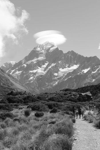 Mount Cook hats EyeEmNewHere Mount Cook New Zealand Nature Mountain Snow Winter Sky Landscape Mountain Range Mountain Peak Hiking Snowcapped Mountain Glacier