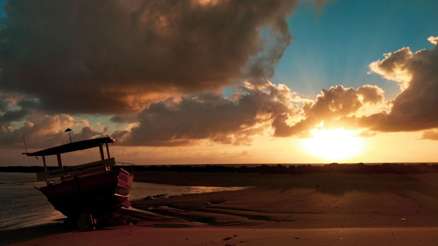 Praia Beach Sand Sea Boat Outdoors Vsc Oil Pump Sunset Red Industry Rural Scene Dawn Sky Landscape Dramatic Sky Sky Only Romantic Sky Moody Sky Cloudscape