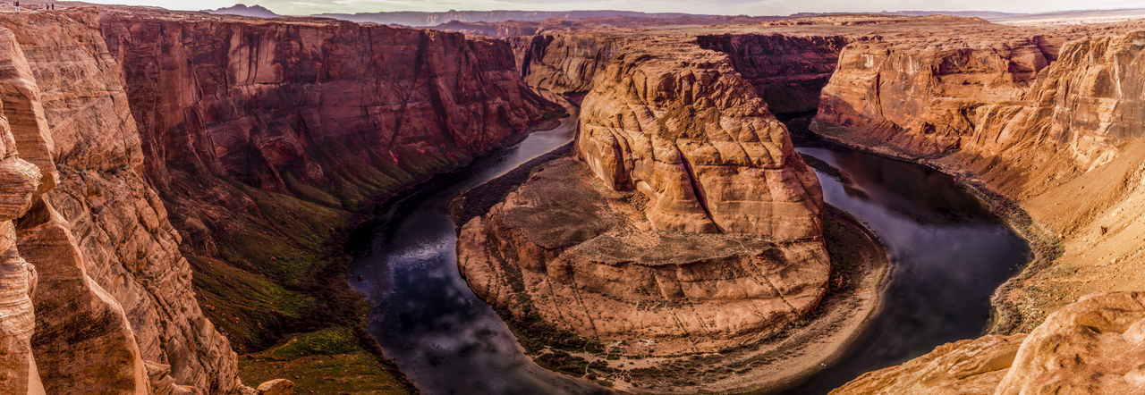 Panoramic View Of Horseshoe Bend In Grand Canyon National Park