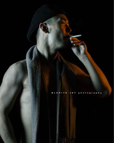 下手なりの努力!! Studio Shot Only Men One Man Only Men One Person Adults Only Waist Up Males  Black Background Adult Dancing People Gangster Young Adult Night ストロボ ポートレート 人物