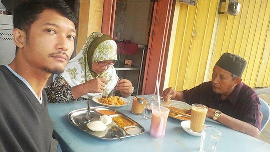 Kami breakfast dulu.. Indianrestaurant Tosei Roticanai Idli Teh Bismillah