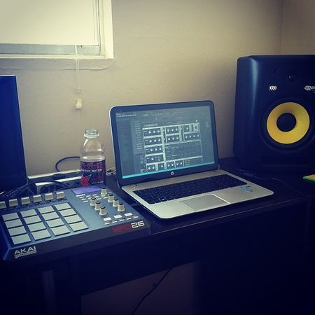 Its sunny out but there's work to be done Studio Production Music DrumnBass akai mpd26 beats nativeinstruments krk