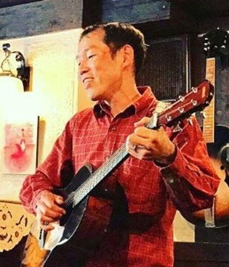 I'm singer-songwriter. Singer/Song Writer Acoustic Guitar Openmic Singersongwriter