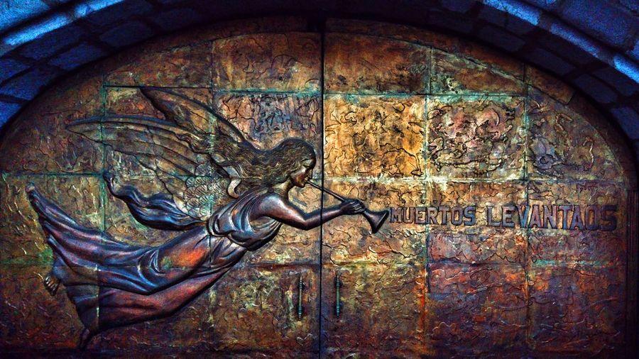 Muertos levantaos. Basílica del Voto Nacional. San Francisco De Quito Ecuador