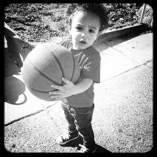 Basketball Levi Almost2
