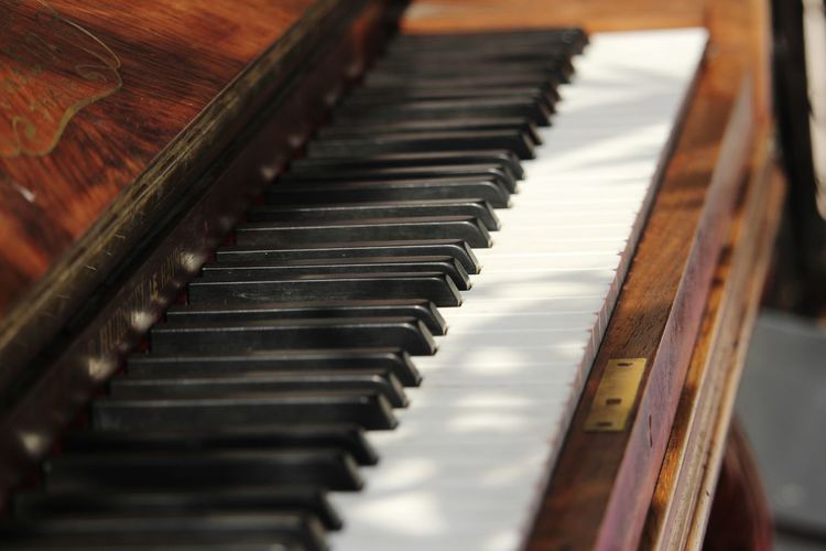 Piano perspective... Wood - Material EyEmNewHere Blackandwhite Perspective Musical Instrument Piano Piano Key Music Close-up Grand Piano Musical Equipment