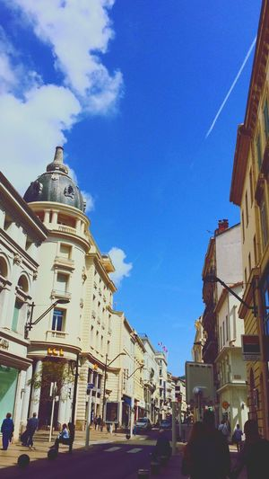 I'm in love with France.🌼 Architecture Sky Built Structure Building Exterior Blue Day Outdoors City Real People Lifestyles EyeEm Like4like Likeforlike Followme I'm In Love Tagsforlikes Taking Photos Chilling Beautiful Cannes