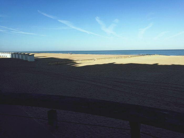 Running Withaview Beach Ostend Goodmorning Sunseabeach Beautifulmorning Sky Blue Nature