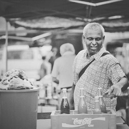 Honey for sale Gaya Street - Kota Kinabalu , Sabah Gayastreet Kotakinabalu Sabah Negeribawahbayu Tourism Malaysia Reflexsology Market Pasar Vscomalaysia Vscography VSCO