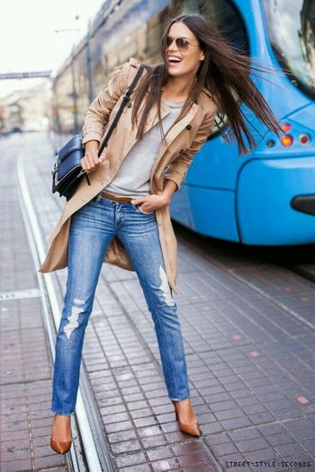Trench + Distressed Jeans + Heals Jeans Trench Style And Fashion Street Fashion