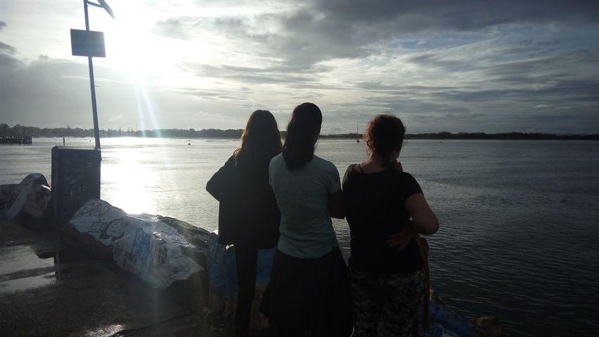 Women Around The World Relaxation Horizon Over Water Woman Who Inspire You Women Puesta De Sol Feeling Australia Day Sea Sinfiltro